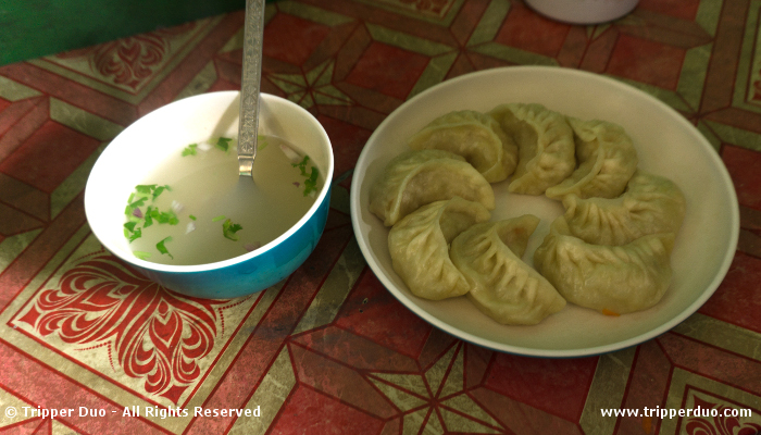 Some food finally. A plate of flavourful vegetable momo with 8 pieces was just rupees 20.